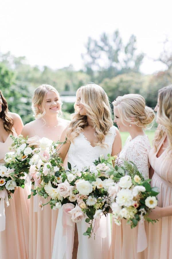 Valencienne real bride Jamie with her bridesmaids